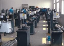 Сборка фрезерных станков на заводе Optimum